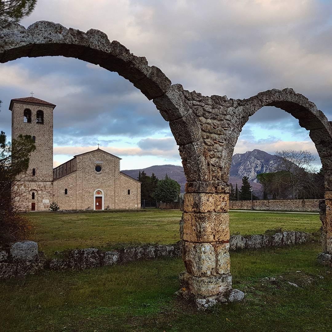 portico dei pellegrini abbazia nuova san vincenzo al volturno