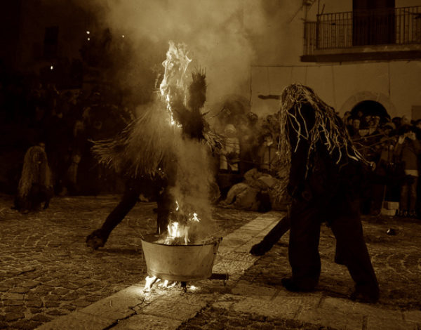 Ancient carnival masks in Molise: the deer-man of Castelnuovo a Volturno