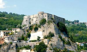 Un castello da favola in Molise: il castello di Cerro al Volturno
