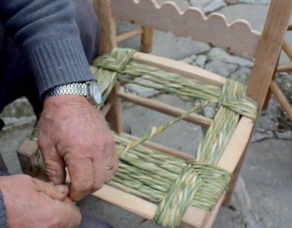 "The ancient craft of ""ru mpagliasegge"""