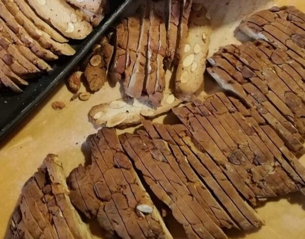 'Pepatelli': typical Christmas biscuits in Molise