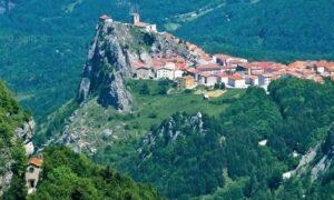 Pescopennataro: il paese dell'abete e della pietra