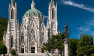 Castelpetroso: a fairy-tale church in Molise